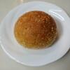 ミニマム - 料理写真:焼きカレーパン(200円):カレーはハウスバーモンドカレー