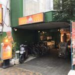 ムガルパレス - 店舗外観