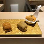 すし龍 - 雲丹の食べ比べ。                                 美味し。