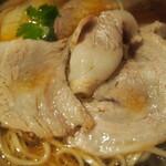 Japanese Ramen Noodle Lab Q - 清湯 全部トッピング(豚バラ)