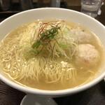 Menyakaijin - あら炊き塩ラーメン+焼おにぎり 1045円
