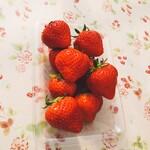 いちご屋 スカイファーム - つまみイチゴ