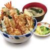 福てんかつ - 料理写真:税込615円の天丼は「天ぷら」の一番人気メニュー。サクサクの天ぷらとあっさりの中にコクがあるタレの相性が抜群!