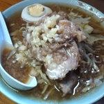 ラーメン富士丸 - ラーメン(麺少なめ ニンニク増し)