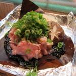 やまき - 薩摩軍鶏の朴葉焼き