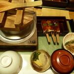 12628082 - 鮭とイクラの釜飯セット 1450円
