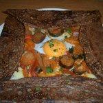 So - 卵とチーズとラタトゥイユのガレット