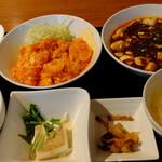 """百菜百味 - スペシャルセット """"麻婆豆腐とエビチリソース炒め"""""""