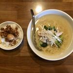 Shintaiki - 鶏しおそば ミニ魯肉飯セット