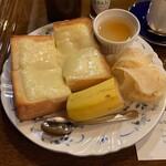 青山壹番館 - トーストセット
