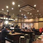 丸亀製麺 - 今日の店内風景 右手方向