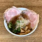 らーめんシゲトミ - 料理写真:わんたんちゃーしゅー麺 醤油(1,300円)