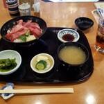 126300622 - 本マグロ鉄火丼定食。