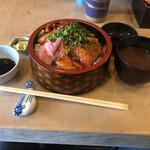鮨処 一真 - 海鮮丼