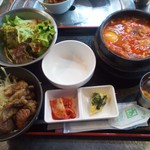 韓国料理 サムギョプサル どやじ -