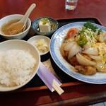 赤玉亭 - 料理写真:スブタ定食