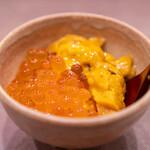 鮨処 多田 - 卵かけご飯 自家製いくら 釧路のバフン雲丹 龍の卵の卵黄