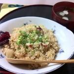 つちの子 - 当店オリジナル「ガーリックたこめし」!!! ニンニクの風味とコクのあるソースの味わいでリピーター多数!!!