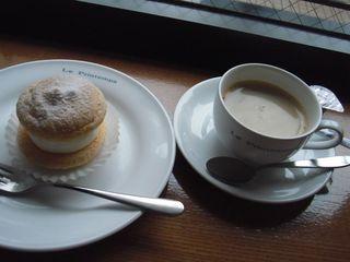 プランタン - コーヒー(\260)とフワフワ(\110)