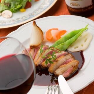 洋食とワインでちょっぴり豪華なディナータイム!