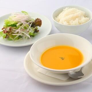 「洋食屋の野菜のポタージュスープ」