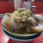 ラーメン すくえ屋 - 国産ブタラーメン、煮たまご、野菜ニンニクアブラ