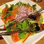カフェ&レストラン BERG - 甲斐サーモンのサーモンのサラダ