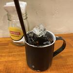 シーエムツー カフェ - セットのアイスコーヒー。