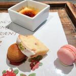 イグレック ベガ - フィナンシェ、マカロン、レモンのパウンドケーキ クレームブリュレ
