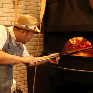 名店で培った経験と共に、ピッツァの素晴らしさを地元で伝える