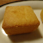重慶飯店 - パイナップル100%のパイナップルケーキ