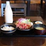 まるぶん - 料理写真:豚肉と紅しょうがの竜田揚げ定食