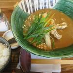 うどん あおい - 牛肉とごぼう天カレー定食