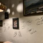 イル・ピッツァイオーロ - スポーツ選手や著名人のサイン