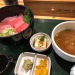 海鮮丼屋 とっとや - 料理写真:まぐろ三昧丼⭐︎1580円
