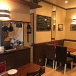 カフェ&シーフードバルべセル - 店内