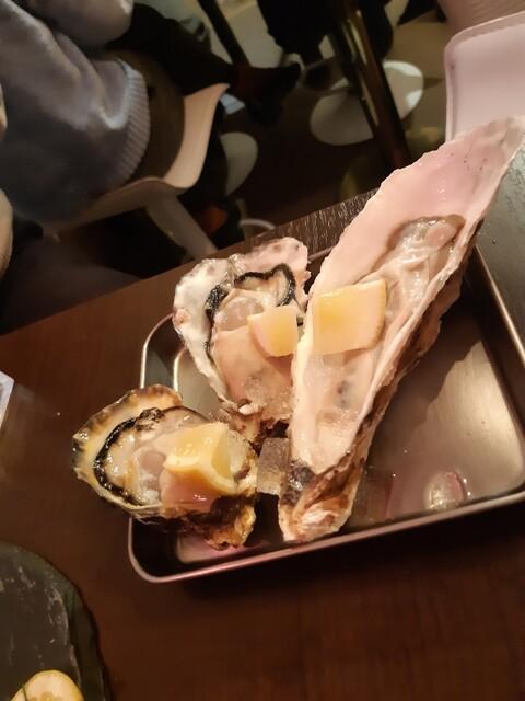 えびと馬肉と日本酒の居酒屋 池袋栄町横町店の料理の写真