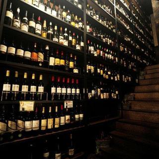 数十種類のワインが飲める