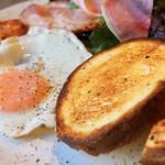 GOOD MORNING CAFE NOWADAYS - ブリオッシュのトースト美味しかった