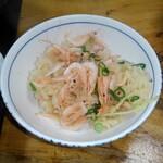 益元 - 桜えび釜飯アップ