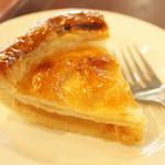 関口フランスパン - アップルパイも美味しいよ♪