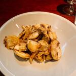 TRATTORIA GANZO - マッシュルームとアーティチョークとパルミジャーノのサラダ仕立て