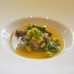 ウシマル - 小鴨のポルペッティ スッポンのスープ 芽キャベツ