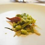 ウシマル - 北寄貝とロマネスコ つぼみ菜 プンタレッラ