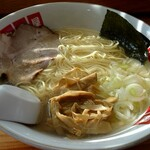 地鶏ラーメン たつ屋 - 塩ラーメン650円