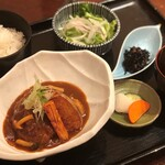 別亭 神田新八 - 煮込みデミグラスハンバーグ定食
