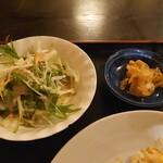 Yoka - サラダとキムチ