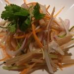 タイ ベトナム料理 GreeN - 蓮の茎サラダ