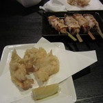12647740 - とり天と串物、とり天もさっぱり美味しい!!