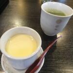126471768 - 茶碗蒸し+お茶